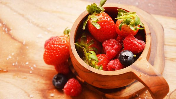 strawberry bukan dair keluarga berry