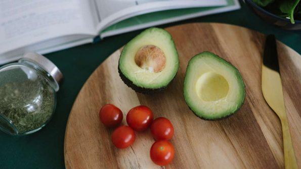 nutrisi dan manfaat alpukat