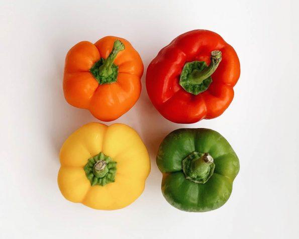perbedaan paprika merah kuning & hijau