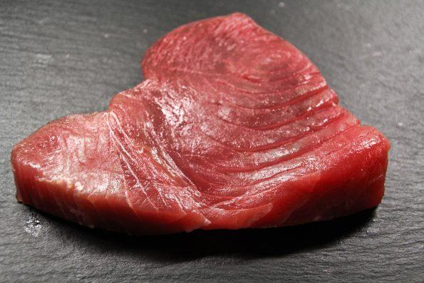 Cara memilih ikan tuna