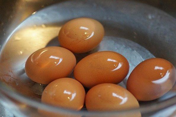 cara merebus telur